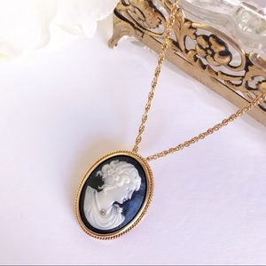 Vintage AVON Cameo Necklace in Gold Tone & Black